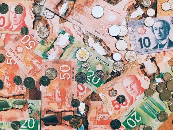 Canadian cash savings